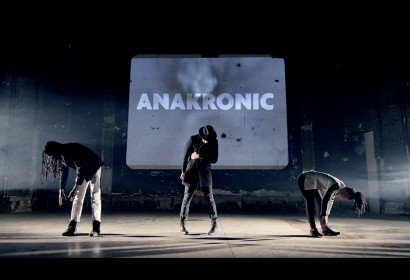 ALLOUT_ANAKRONIC
